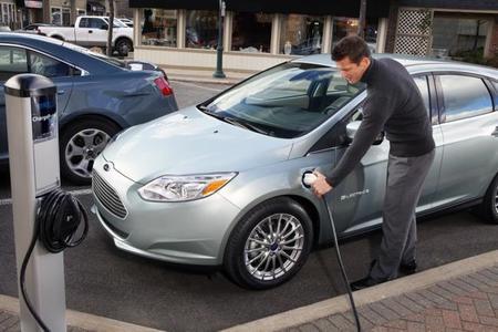 Ford Focus EV recarga