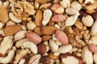 Alimentos que sacian y ayudan a controlar el peso (III): frutos secos