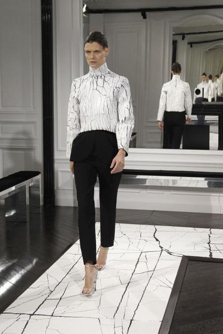 Clonados y pillados: Zara y el clon de la camiseta craquelada de Balenciaga
