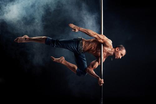 Anímate a quemar grasa con el Pole Dance Fitness