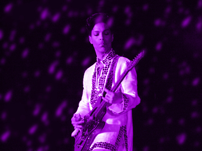 Prince Ya Tendra Un Color Propio Un Simbolo De Amor Gracias A Pantone