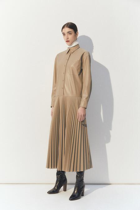 https://www.sfera.com/es/pre-black-friday-mujer/vestidos-y-faldas/06d26c3/32971/