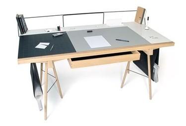 Una gran mesa de estudio según Robin Grasby