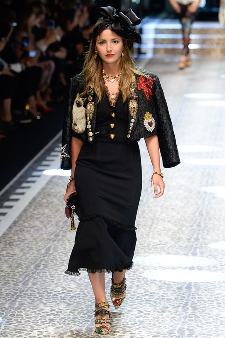 bc6c83ffc14 Lovely Pepa, la única española que desfila para Dolce & Gabbana. Así ha  sido el desfile lleno de millenials