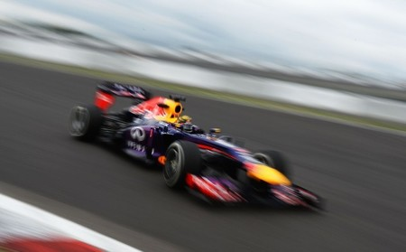 Sebastian Vettel marca la pauta en casa