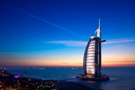 El hotel Burj Al Arab cumple 15 años ofreciendo una experiencia de verdadero lujo