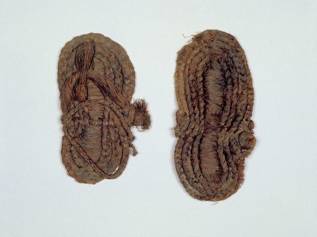 Sandalias De Esparto Neolitico