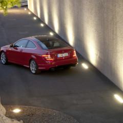 Foto 22 de 41 de la galería mercedes-benz-clase-c-coupe-2011 en Motorpasión