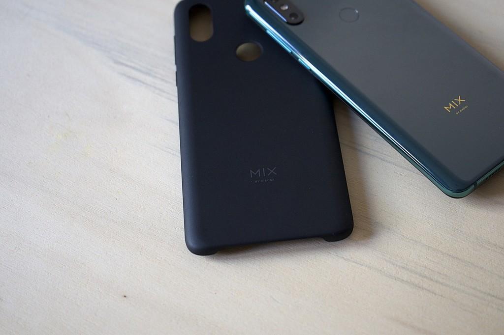 Una filtración del Xiaomi™ Mi Mix cuatro nos sitúa ante alguna monitor 2K™ de 120Hz y alguna batería con carga rápida de 100W