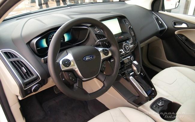Ford Focus eléctrico toma de contacto en Dearborn (interior) 12