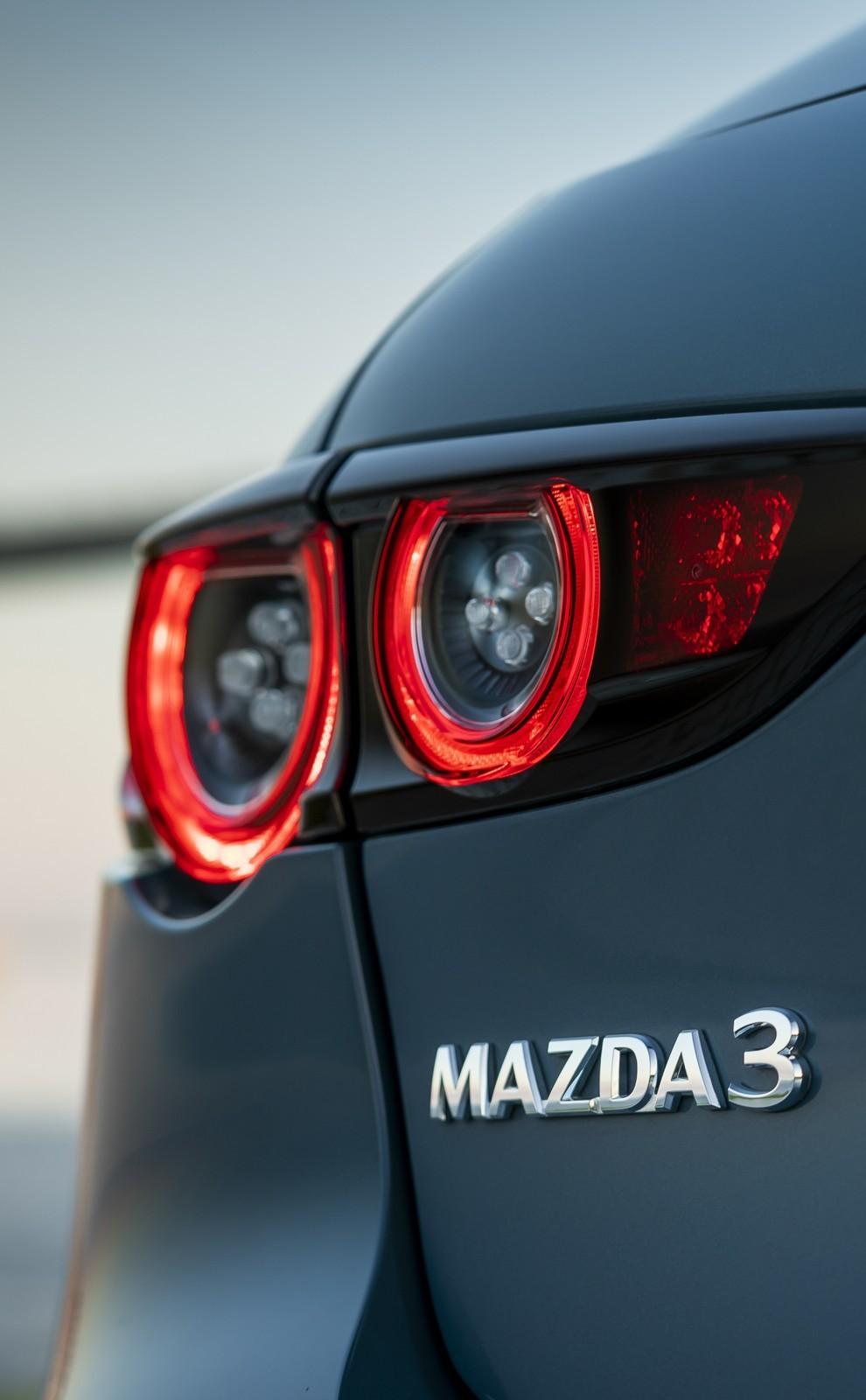 Foto de Mazda3 2019 (39/128)
