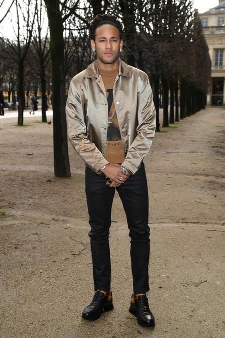 Los Beckham Y Demas Celebridades Despidieron A Kim Jones En Su Ultimo Desfile Para Louis Vuitton En Paris 3
