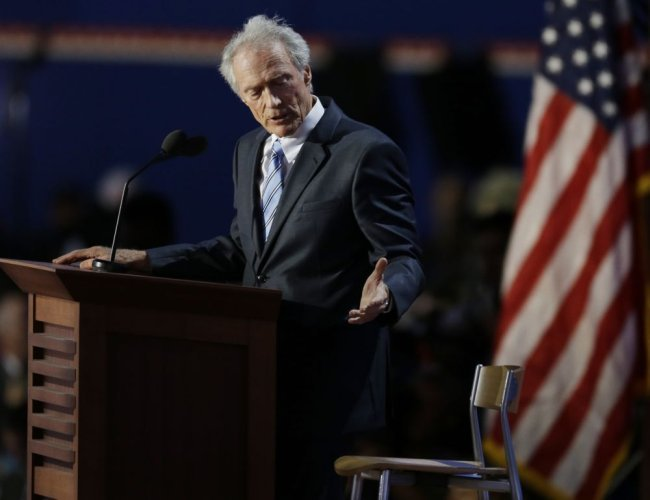 Clint Eastwood y la silla del invisible Obama