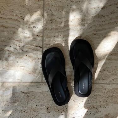 Clonados y pillados: estas sandalias The Row parecen, pero Primark son