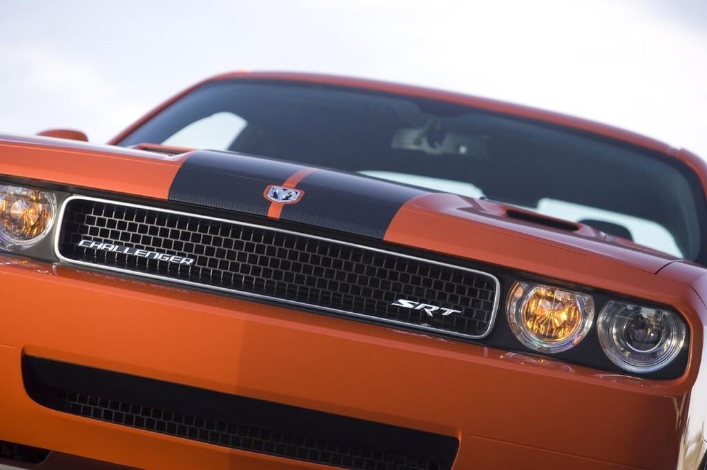 Foto de Dodge Challenger SRT8 (58/103)
