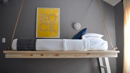Una cama colgante.