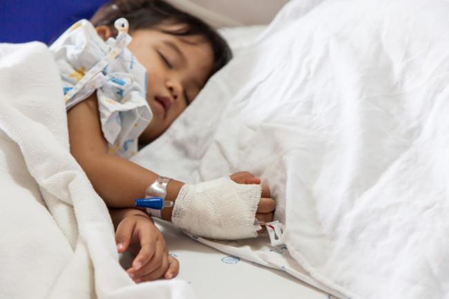 Alerta en Cataluña por un virus que produce complicaciones neurológicas en menores de 6 años