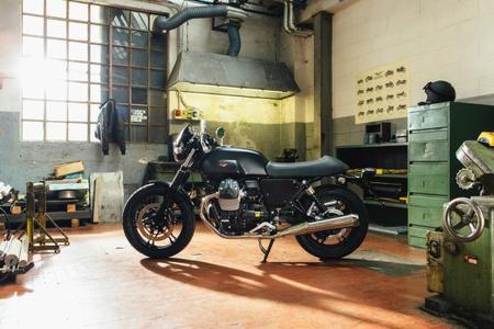 Moto Guzzi V7 Custom Kit Dark Rider
