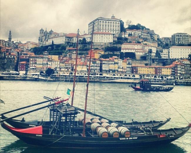 Ravelos con barriles de Oporto