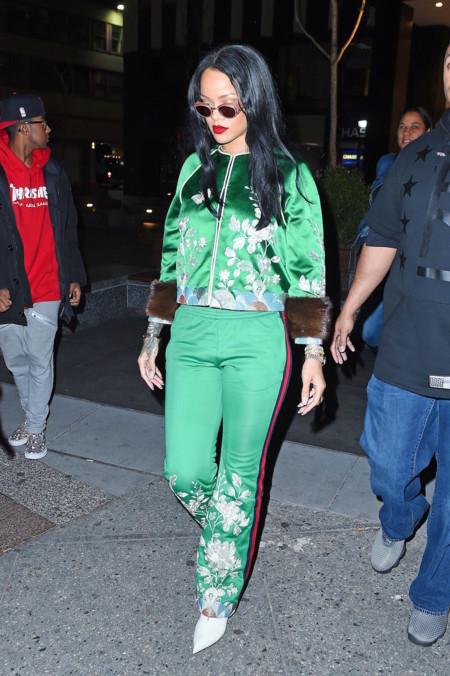 Rihanna Con Chandal De Gucci B
