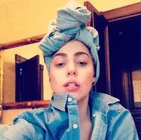 Muy buena madrina tiene que ser Lady Gaga para que repita Elton John