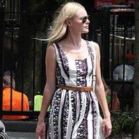 Esta inestable primavera Kate Bosworth no se quita las sandalias...¿adiós botas y botines?