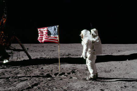 Hasselblad nos recuerda la evolución de la fotografía en el espacio con motivo del 50 aniversario de la llegada a la Luna