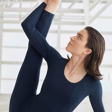 Estrenar la nueva colección de deporte de Oysho hace de lo más apetecible volver a las clases de yoga y pilates este año