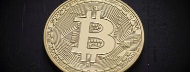 Un bitcoin histórico alcanza los 50.000 dólares y empieza a convencer a los gigantes de la industria financiera