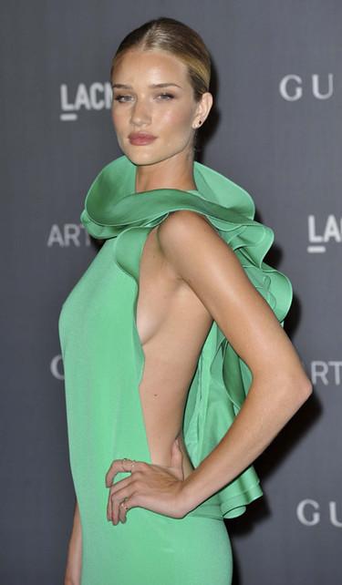 Gucci viste a las famosas de fiesta en la gala LACMA 2012 Art+Film