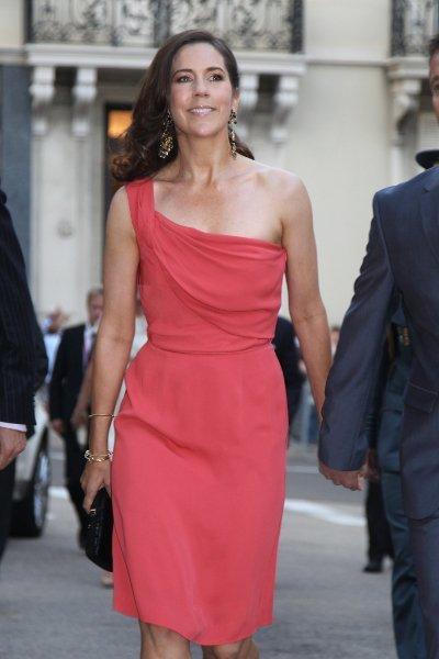 El look de la princesa Mary de Dinamarca en la fiesta tras la boda civil