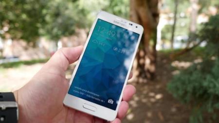 Samsung Galaxy Alpha es el primer teléfono en usar Gorilla Glass 4, y no lo sabíamos