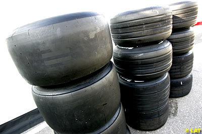 Primera valoración de los neumáticos slick