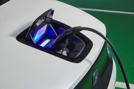 Honda se hace con un trozo del mayor fabricante de baterías del mundo, el gigante chino CATL