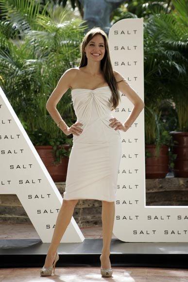 El estilismo de Angelina Jolie, Salma Hayek y Eva Mendes en Cancún