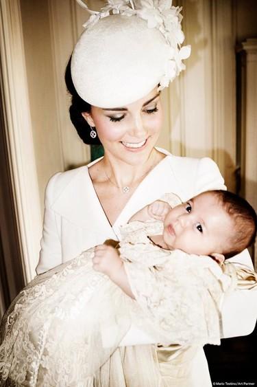 Las fotos del bautizo de la princesa Charlotte no pueden ser más adorables