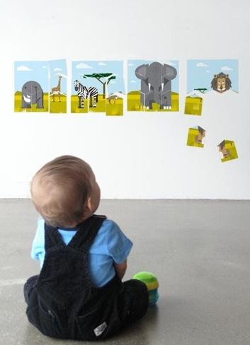 si decoramos la habitacin del beb pensando a medio plazo debemos tener en cuenta que pronto el nio jugar en ella y por lo tanto ms que elegir