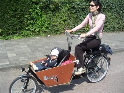 Más formas originales de transportar a los niños en bicicleta
