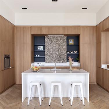 Puertas abiertas: Un gran apartamento en París que combina tradición y modernidad