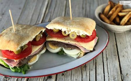 Chivito: el sándwich nacional de Uruguay que bien puede sustituir a una buena hamburguesa