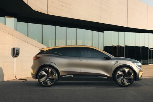 Del CUPRA el-Born al Hyundai Ioniq 5: los coches eléctricos e híbridos enchufables más esperados de 2021