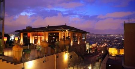 Los cinco restaurantes (de Barcelona) más románticos para tenerla en el bote automáticamente