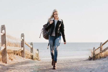 Chollos en tallas sueltas de chaquetas y abrigos para mujer de marcas como Tommy Hilfiger, Pepe Jeans o Desigual