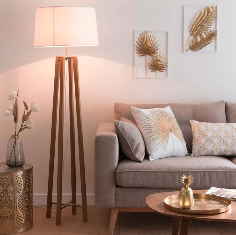 Lámpara con trípode de roble y pantalla blanca Alt.160