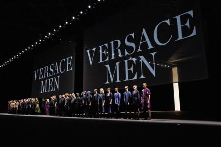 Desfile primavera-verano 2017 Versace, una colección pensada para urbanitas modernos y dinámicos