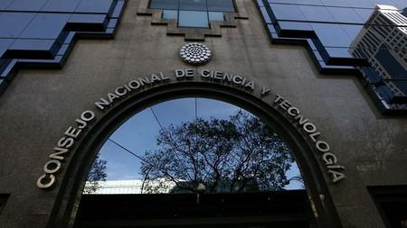 El Conacyt se queda sin recursos en México: reduciría su estructura y recortaría su personal a la mitad