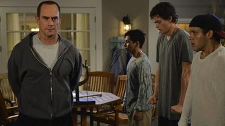 FOX saca rendimiento a la guillotina y cancela 'Rake', 'Dads', 'Enlisted' y 'Surviving Jack'