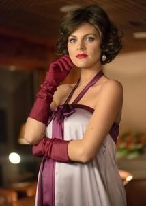 ¿Qué os parece el cambio de look de Amaia Salamanca para 'Velvet'?