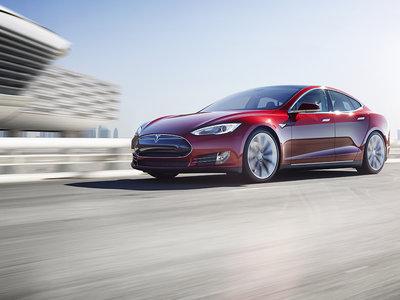 Un Toyota Corolla es más seguro que un Tesla ante los ojos de Consumer Reports