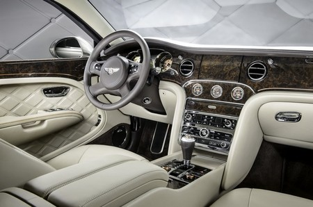 Bentley Hybrid Concept interior